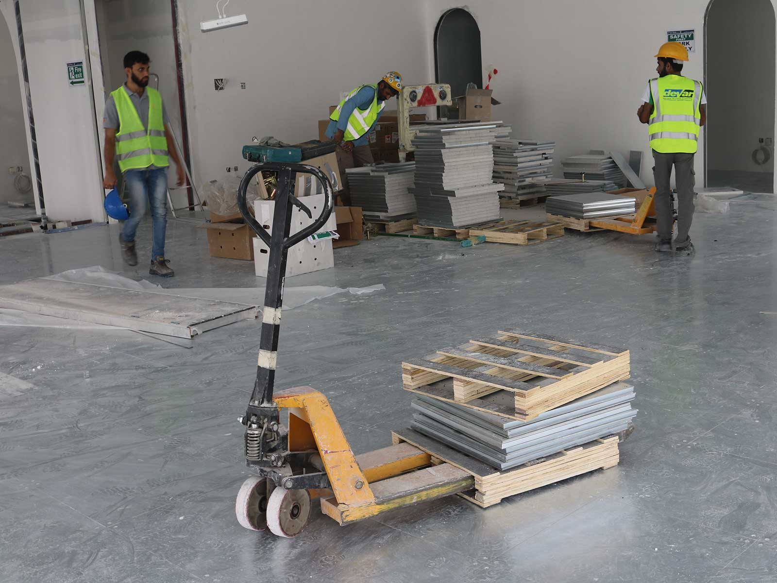 One Jlt Dubai Raised Floor System Devar 3